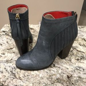Coach Ankle Boot with zipper size 8.5